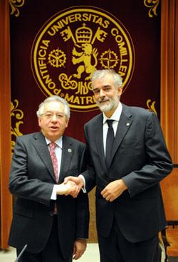 Busto y Julio Martínez